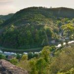 Widok z zamku w Lutzelbourg na bazę