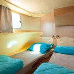 kabina na barce Penichette 1500 FB - koje można złoczyć, lub pozostawić oddzielnie