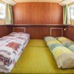 łóżko w kabinie