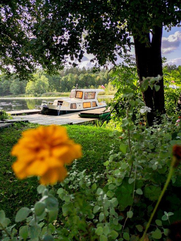 barka haber 20 w stanicy wodnej w Płaskiej