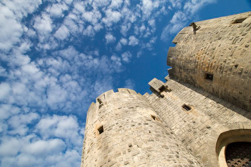 Aigues-Mortes Francja region Camargue mury miejskie