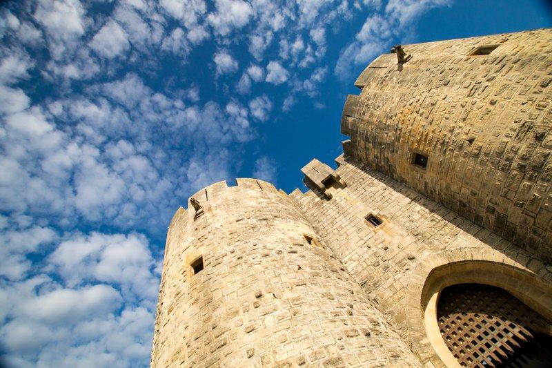 Brama wieże Aigues Mortes