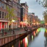Amsterdam wieczorową porą Holandia