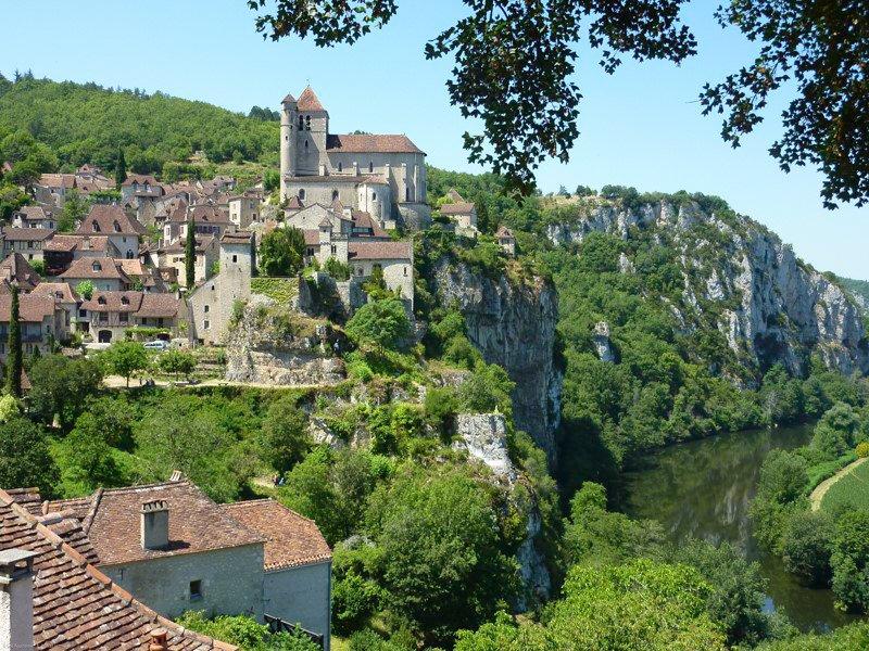 Dolina rzeki Lot Wakacje na barce Village de Saint-Cirq-Lapopie