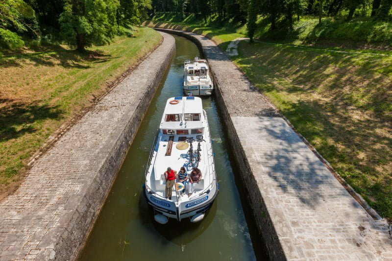 Wąski kanał prowadzący do tunelu St. Albin