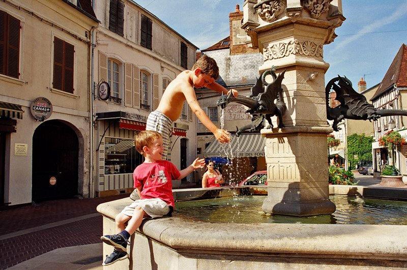 Saint Florentin Canal de Bourgogne wakacje na barce