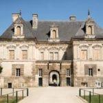 Zamek Tanlay Burgundia wakacje na barce