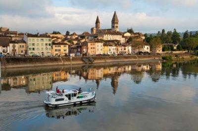 Tournus barka Burgundia południowa wakacje na barce