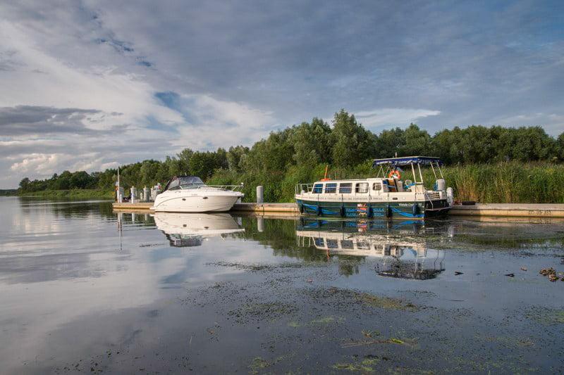 Przystań jachtowa Biała Góra barka Vistula Cruiser