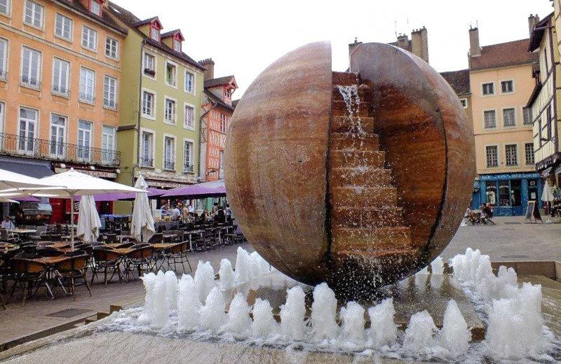 Chalon-sur-Saone rynek Burgundia barka wakacje