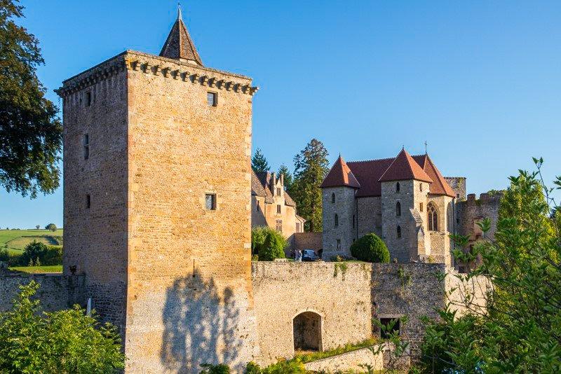 Chateau de Couches Burgundia wakacje na barce