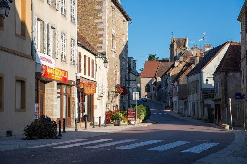 Couches Burgundia miasto wakacje na barce