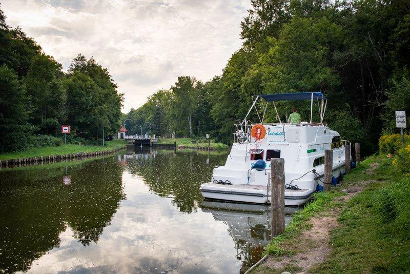 Śluza w Furstenberg Niemcy wakacje na barce