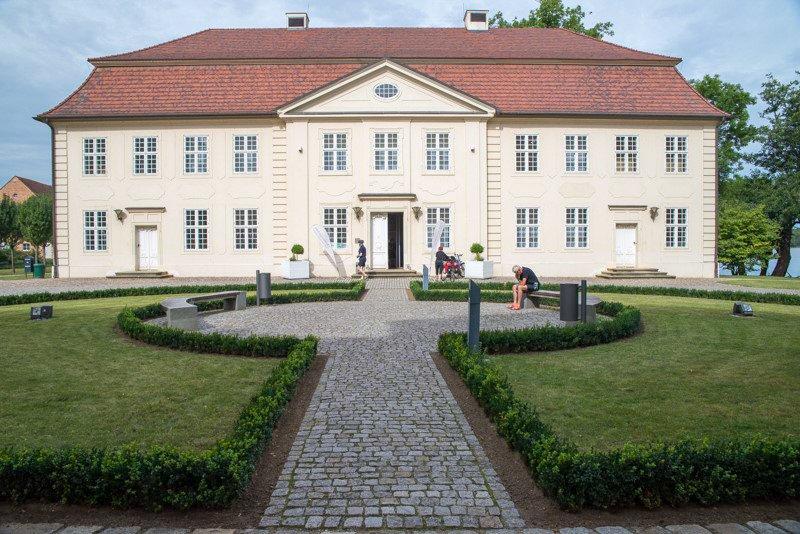 Mirow Pałac Meklemburgia wakacje na barce