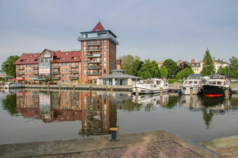 Neustrelitz marina Meklemburgia wakacje na barce