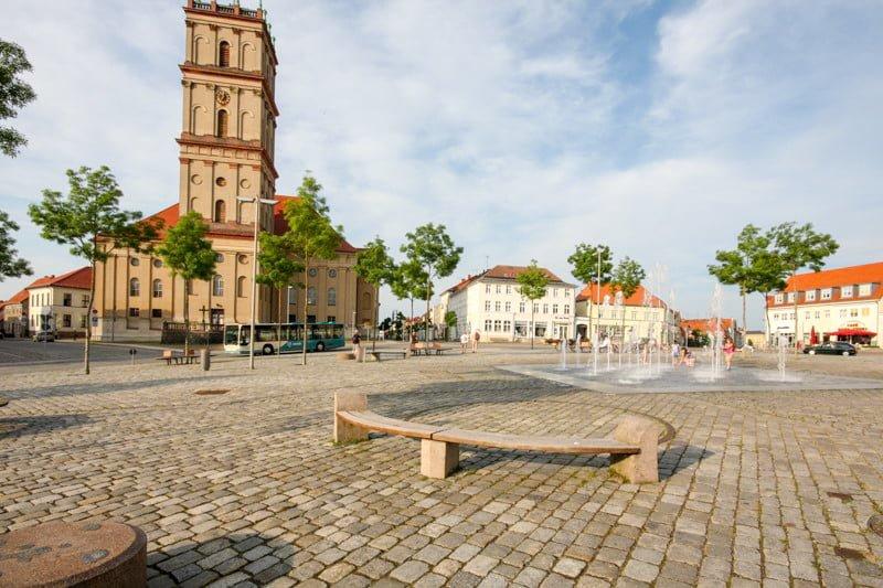 Neustrelitz rynek Meklemburgia wakacje na barce