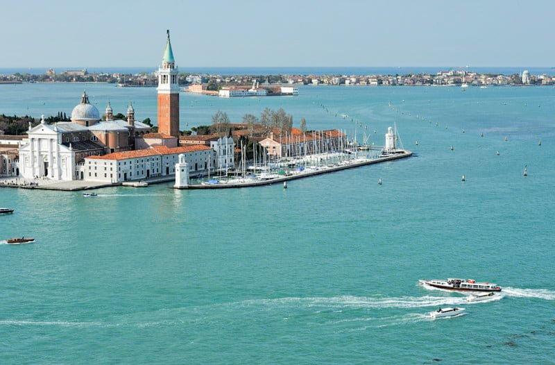 Wyspa San Giorgio Wenecja wakacje na barce