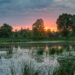 Zachód słońca rzeka Nogat wakacje na barce