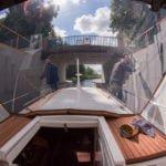 Śluza Miłomłyn Kanał Elbląski wakacje na barce