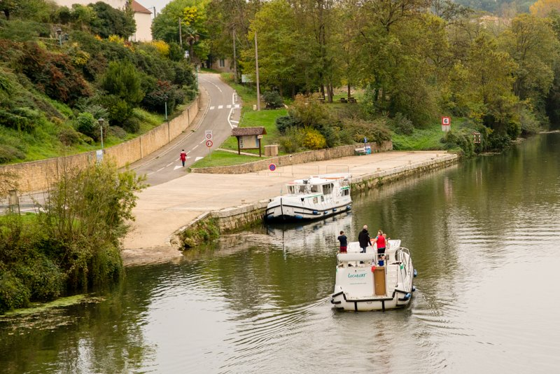 Pomost w Lavardac na rzece Baise