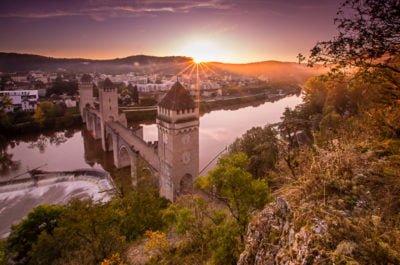 Most Valentre Cahors poranek jesień