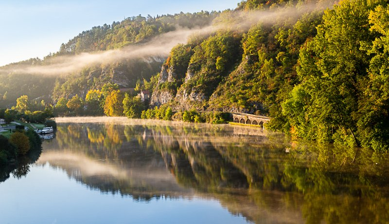 Poranek na rzece Lot