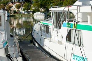 Barki w porcie w Agen