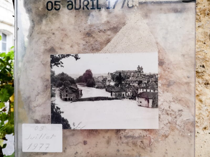 Fotografia - powódź w Nerac 1970