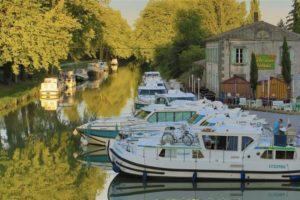 Baza w Bram na Canal du Midi