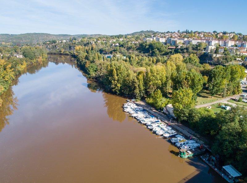 Widok na rzekę Lot i bazę w Cahors