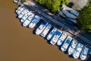 Barki w porcie w Cahors
