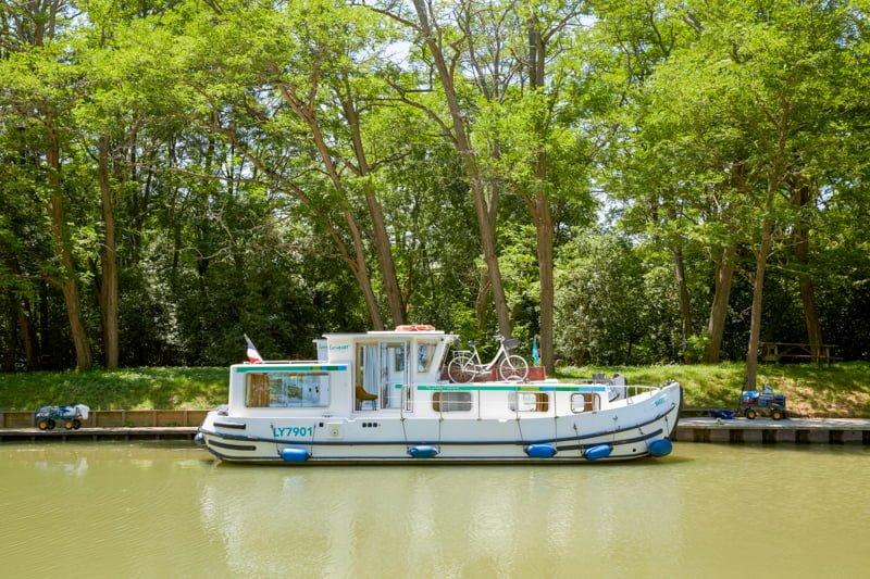 barka penichette na canal du midi baza Negra