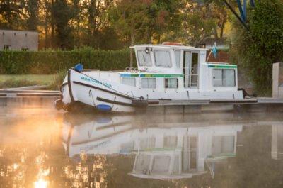 Dompierre-sur-Besbr port barka