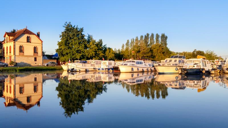 Baza Locaboat w Joigny