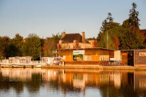 Baza Locaboat w Saint Leger Burgundia