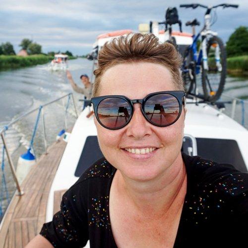 Kasia Mioda na barce