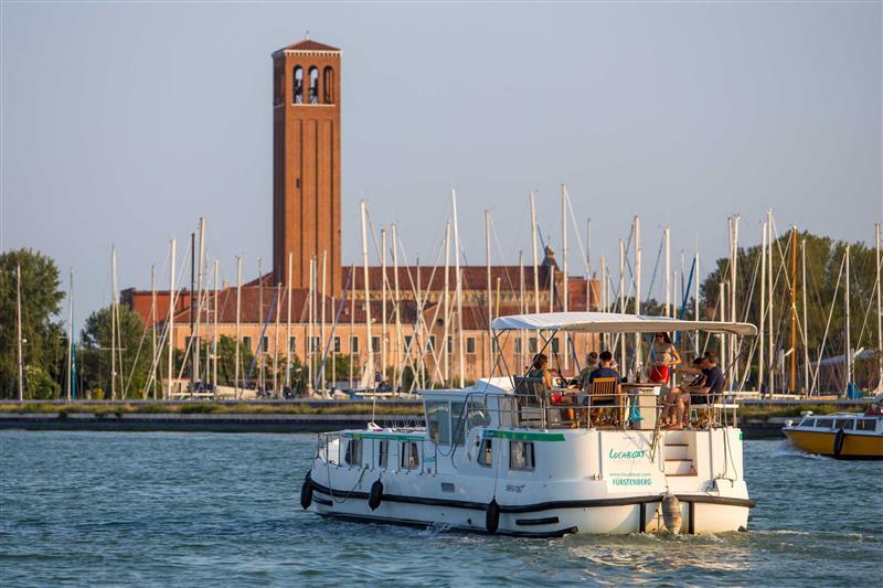 Wenecja barka marina